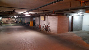 Downtown Indoor Parking - Guy / St-Jacques