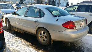 2001 Ford Taurus 4 Door Sedan