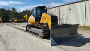 Two 2015 Case 1650M dozers for sale