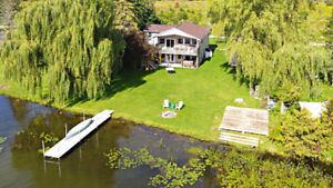 Great Waterfront Family Home On Lake Scugog!