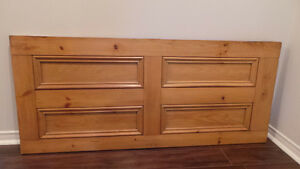 Antique Pine Headboard / Tête de lit antique en pin West Island Greater Montréal image 1