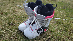 Snowboard boots, goggles and helmet for sale