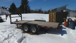 Flatbed trailer fifth wheel tilt and load tandem brakes air ride
