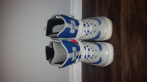 Size 6 snowboard boots blue/grey/white 5150's