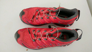 Salomon Trail running shoes (women's 10, red )