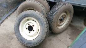 Landrover 90 wheels tyres