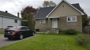 2 Storey/3 bedroom Single Home - Central Ottawa w/Services