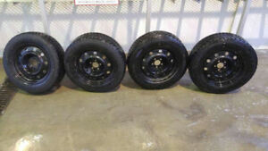 215/65r17 - Snow Tires w/Rims