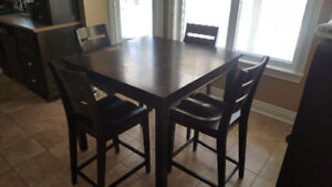 Bar Style Kitchen Table and 4 Chairs