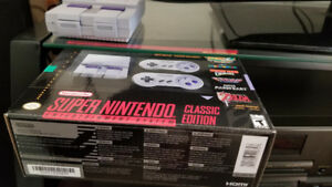 SNES MINI WITH ALL ACCESSORIES AND BOX - LIKE NEW! Sale/Trade