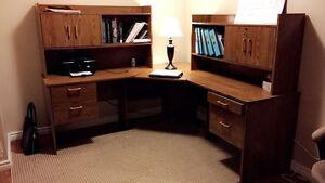 Corner computer desk - wooden