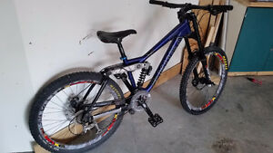 Kona Stinky DH bike - Medium, great condition