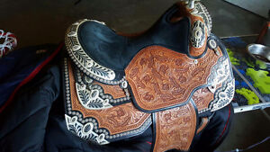 Show saddle and show alter