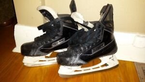 hockey skates with 2nd pair of blades