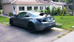 2010 Hyundai Genesis Coupe 2.0T - as is