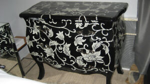 BEAUTIFUL BLACK AND WHITE CHEST -