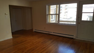 South End 1 Bedroom Apartment available for January 1st. $1,000.