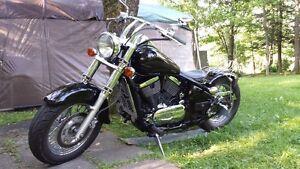 moto Kawasaki Vulcan Bobber