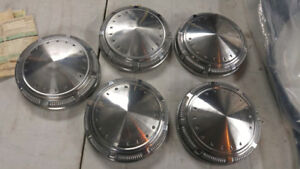 1969/1970 Plymouth Division Center/Hubcap/Dog dishes