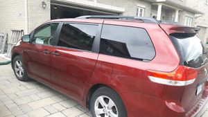 TOYOTA Sienna CE 2011, only 74,000 kms