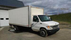 Cube Ford E-450 2000 16'