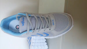 les chaussures taille 7 NEW