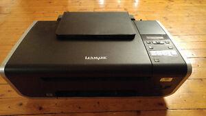 Imprimante et scanner Lexmark WIFI modèle X4690 fonctionne bien
