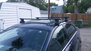 "Thule Traverse 480 footpack with 50"" Thule Squarebar"