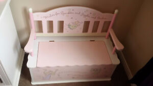 Girl's storage bench