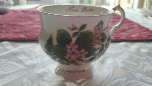 MayFlower,  Elizabethan  Fine Bone China,