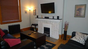 $1450 - 2206 Cornwall St - 1-bedroom furnished suite