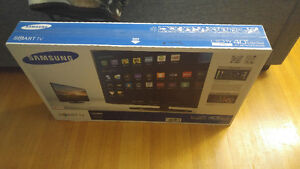 BRAND NEW NEVER OPENED Samsung UN40H5203AF Smart 40-Inch LED TV