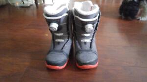 Women's sz 9 K2 sapera snow board boots like new