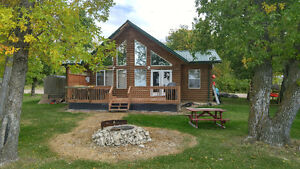 Lakefront family cottage for rent at Lake Manitoba Narrows!