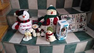 lots of christmas decoration snowman (2) & bears (1) wreaths....