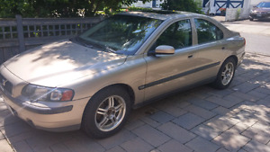 2004 Volvo S60 for parts or fix