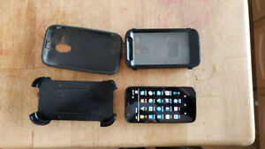 Moto G with Otterbox defender and charger