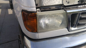 2003 Ford E350 Headlights Windsor Region Ontario image 2