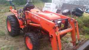 2006 kubota L3400 4wd with loader and blower $18000 obo