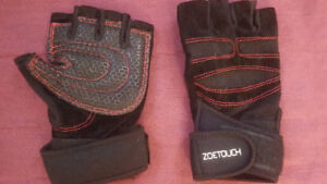 Zoetouch gym gloves. CHEAP & MINT