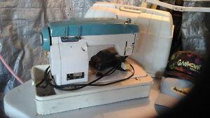 Retro working sewing machine