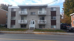 LONGUEUIL GRAND 4 1/2 RENOVER TRANQUILLE