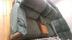 Free sectional. With 2 reclining seats and pull out bed.