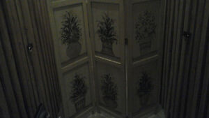 WOODEN FOLDING SCREEN / ROOM DIVIDER