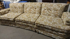 Groovy Old Couch with Pillows - Delivery