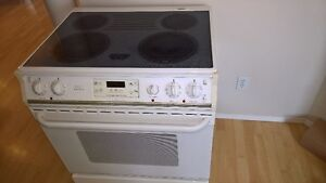 Self-clean Frigidaire smooth-top Stove for Sale