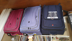 IT luggage set super light and brand New one piece