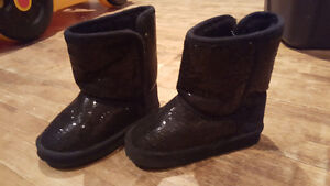 I have girls shoes/boots from size 8toddler to 13.5 Peterborough Peterborough Area image 2