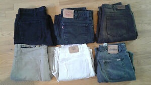 MEN`S JEANS ALL IN  GREAT CONDITION