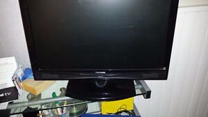 """HDTV / PC Monitor 22"""" - $60 West Island Greater Montréal image 2"""
